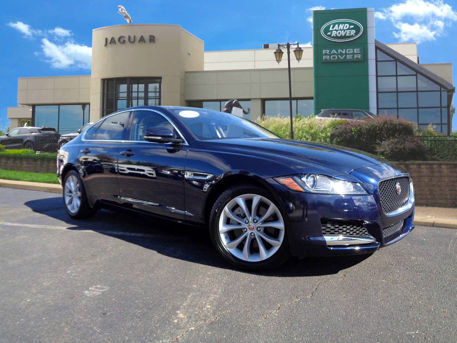 certified pre-owned 2018 jaguar xf 25t premium 4dr car in willow