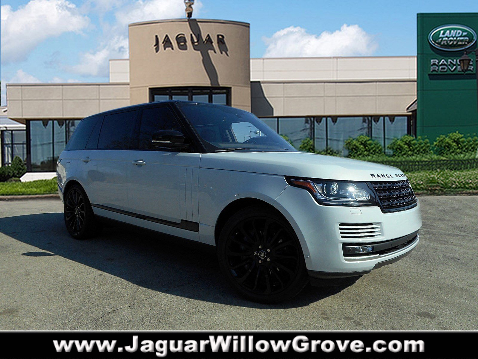 Pre-Owned 2016 Land Rover LWB Range Rover Supercharged With Navigation & 4WD