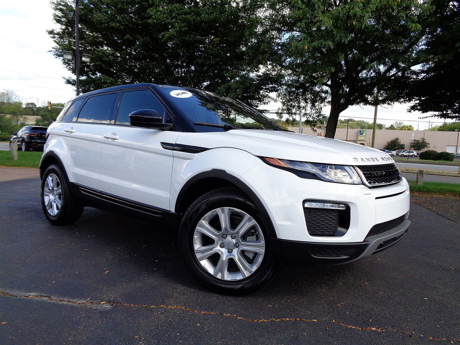 2018 Land Rover Range Rover Evoque SE With Navigation & 4WD